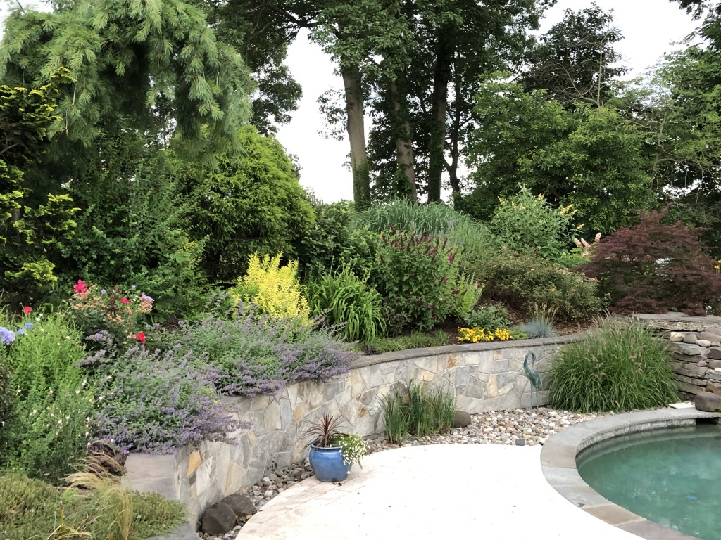 wall-pool-patio